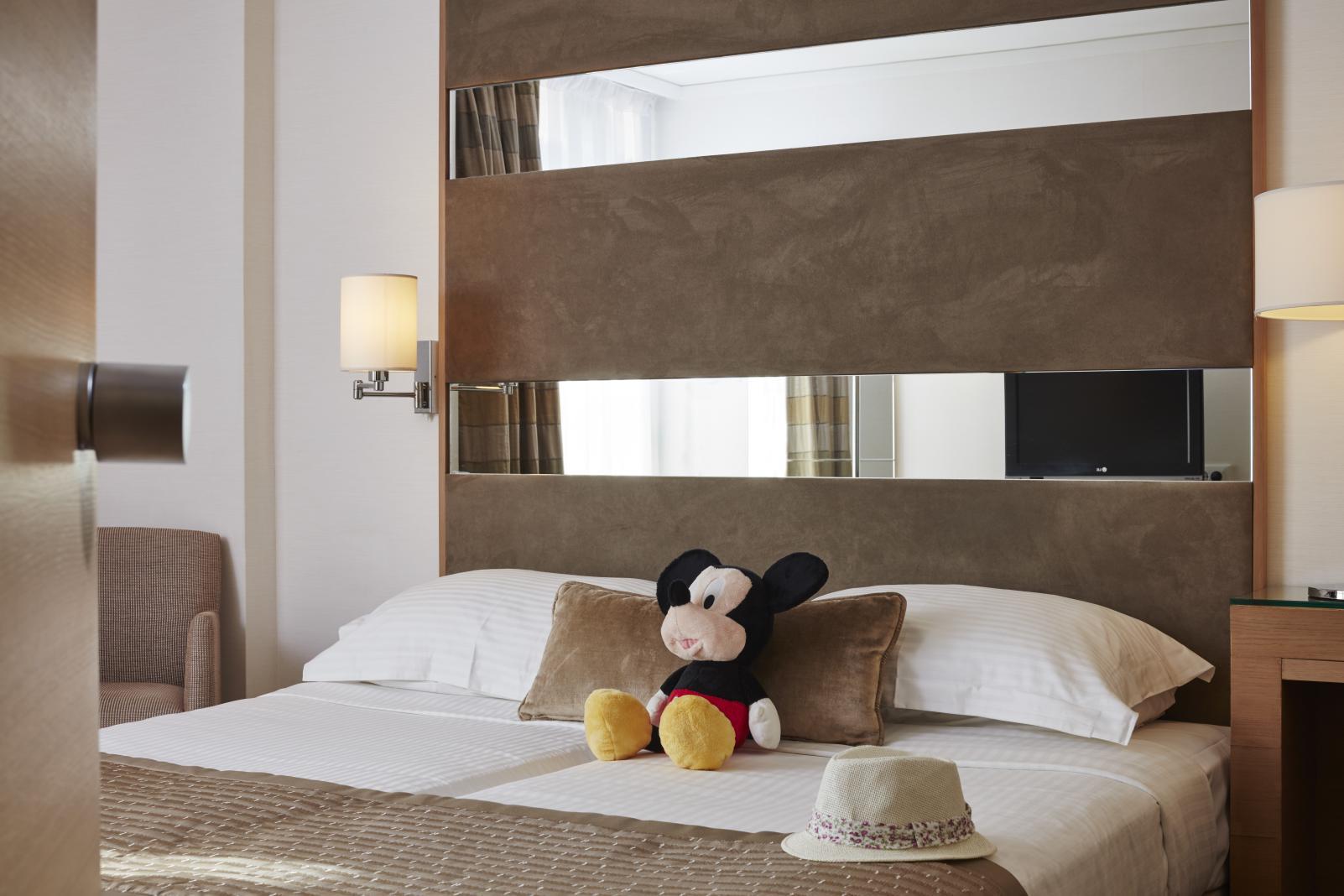 Galaxy hotel Heraklion KidsLoveGreece.com accommodation