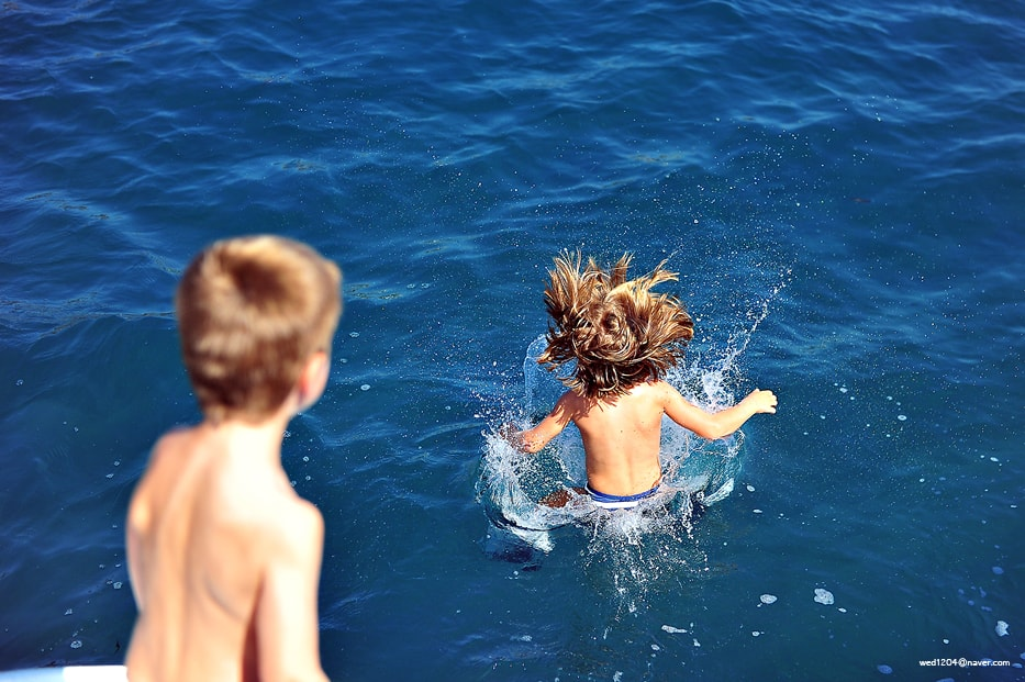 Santorini kids love greece family sailing day tour