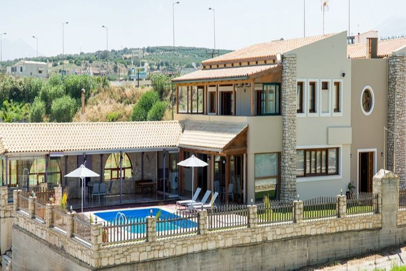 golden sand family villa in Rethymno Crete kids love greece accommodation