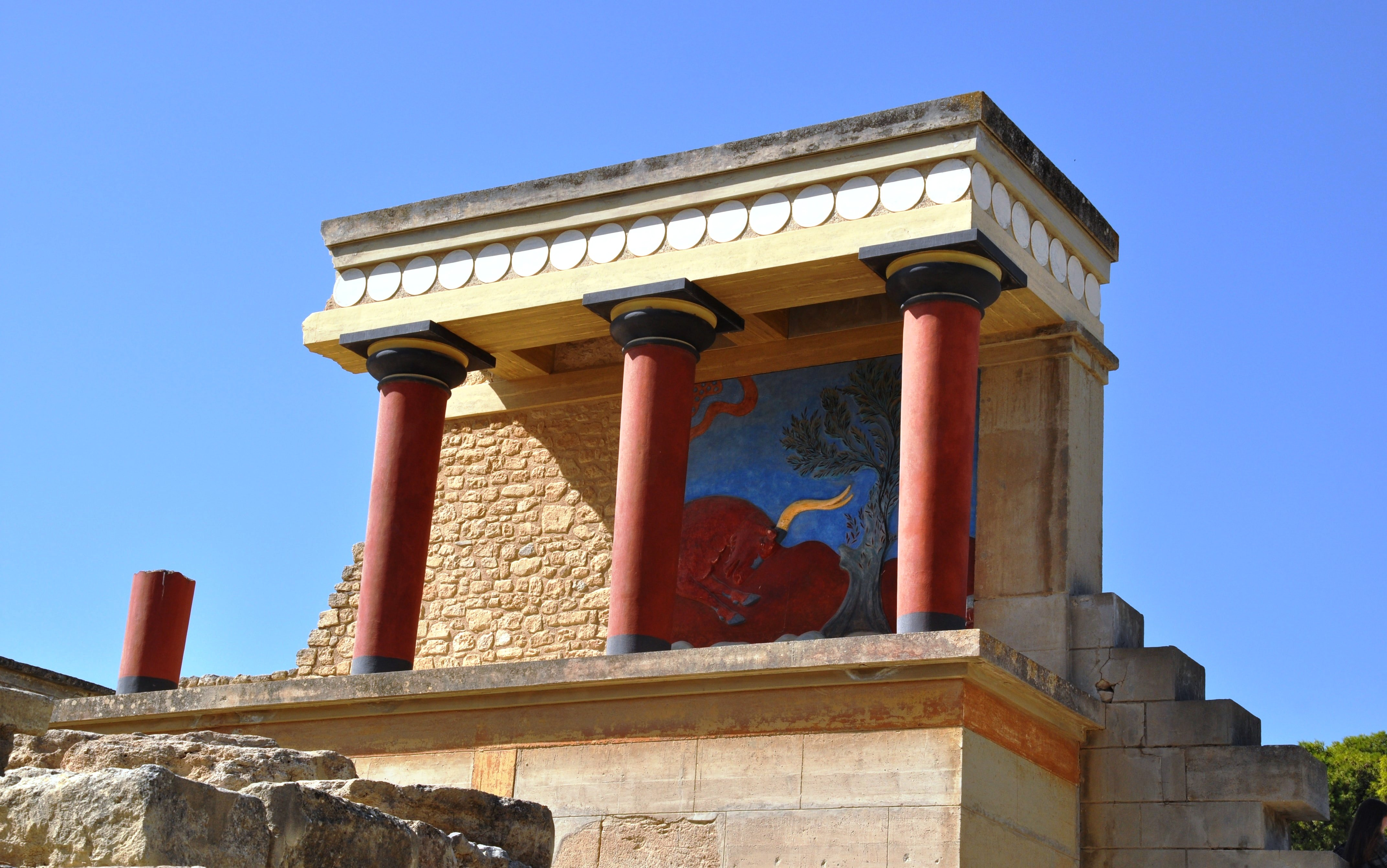 Knossos family guided tour kids love greece Crete Percy Jackson Mythology Family Trip 7-day Package activities for families