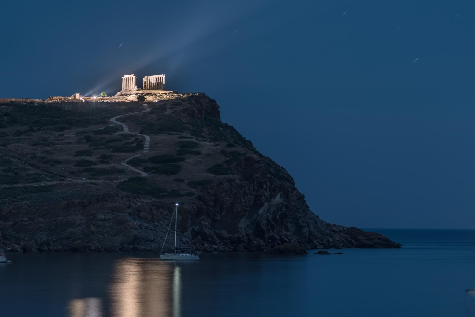 Temple of Poseidon in cape Sounio at night